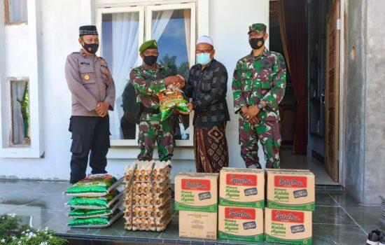 Saling Berbagi, Dandim Aceh Selatan Serahkan Sarana Kontak ke Ponpes Babussa'dah Teupin Gajah